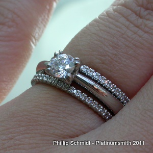 Double wedding band, lace, claw set