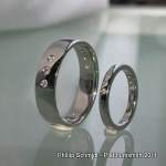 Wedding band 'trilogy' flush set