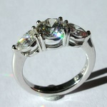 3 stone diamond platinum ring